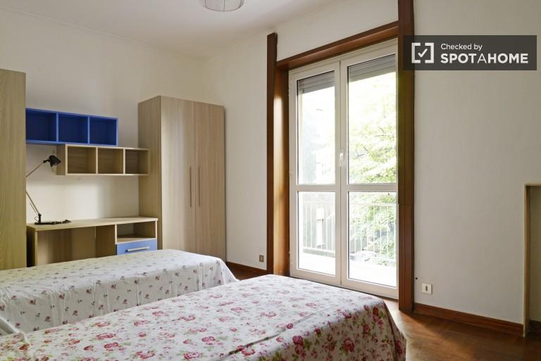 Bedroom 5 - Twin beds