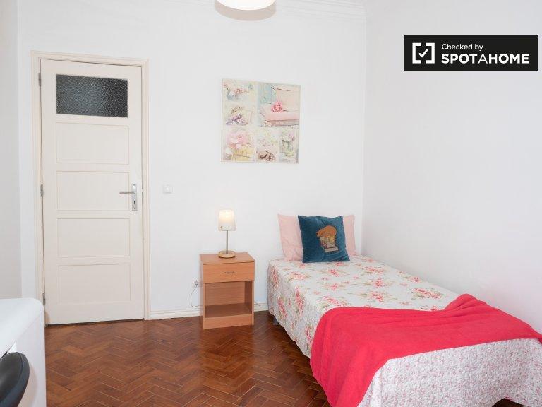 Parque das Nações'de 3 yatak odalı dairede aydınlık oda