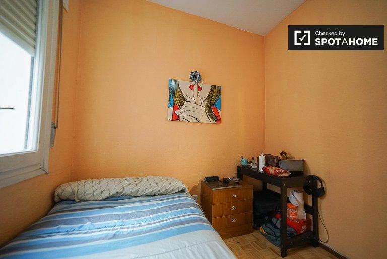 Chambre confortable dans un appartement partagé à Arganzuela, Madrid