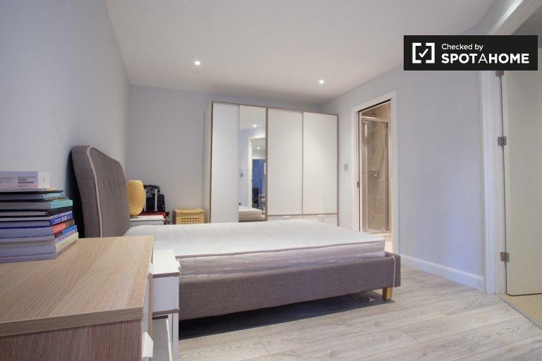 Moderna camera in affitto in un appartamento con 2 camere da letto a Hoxton, Londra