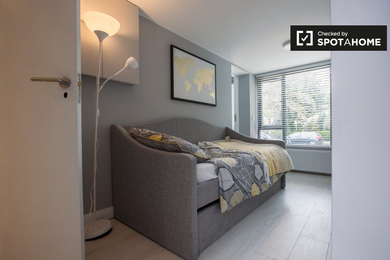 Cosy studio apartment for rent in Dakley, Dublin