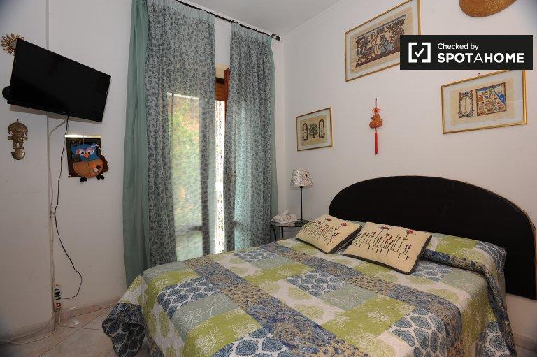 Gemütliches Zimmer zu vermieten in Rebibbia, Rom
