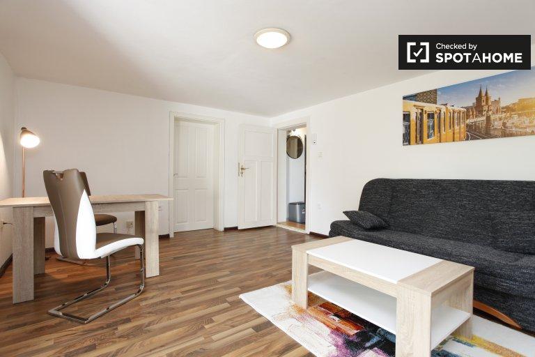 Encantador apartamento de 1 dormitorio en alquiler en Neukölln, Berlín
