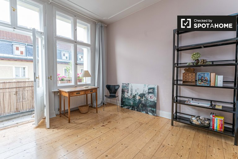 Rooms for rent in apartment with 2 bedrooms in Berlin