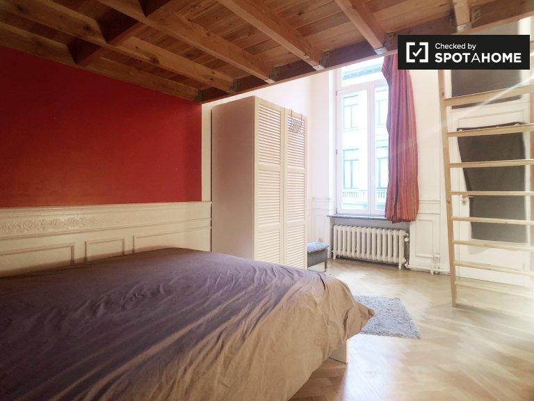 Pokój do wynajęcia w 4-pokojowym domu w Ixelles w Brukseli