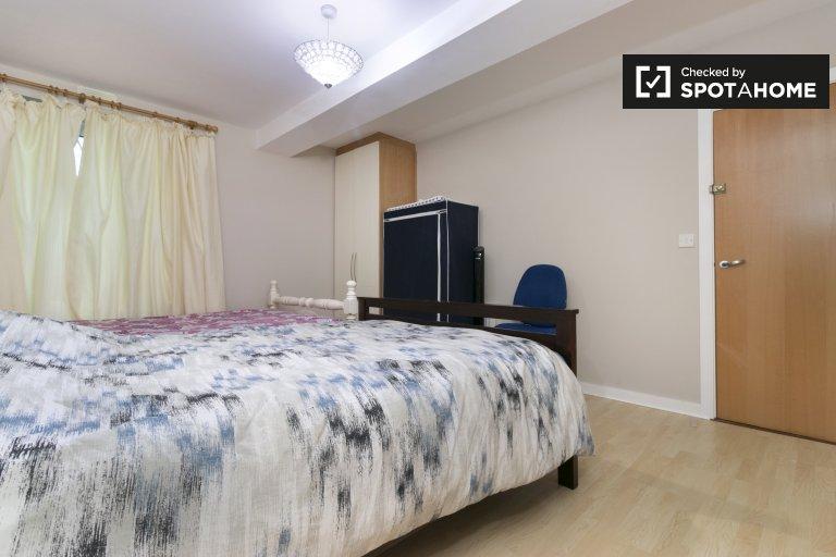 Zimmer zu vermieten in 3-Zimmer-Wohnung, Saggart, Dublin