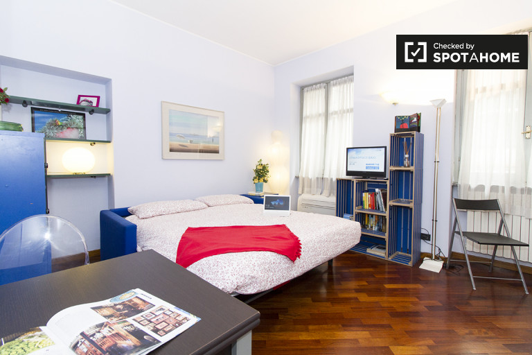 Modern studio apartment for rent near Parco Sempione, Milan