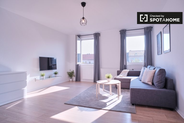 Sunny apartment with 1 bedroom to rent in Kreuzberg, Berlin