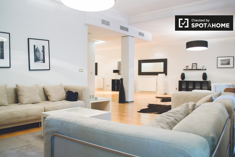 Luxurious 4-bedroom apartment for rent in Chamberi, Madrid