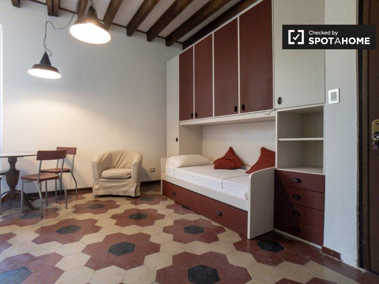 Studio chic à louer à San Cristoforo, Milan
