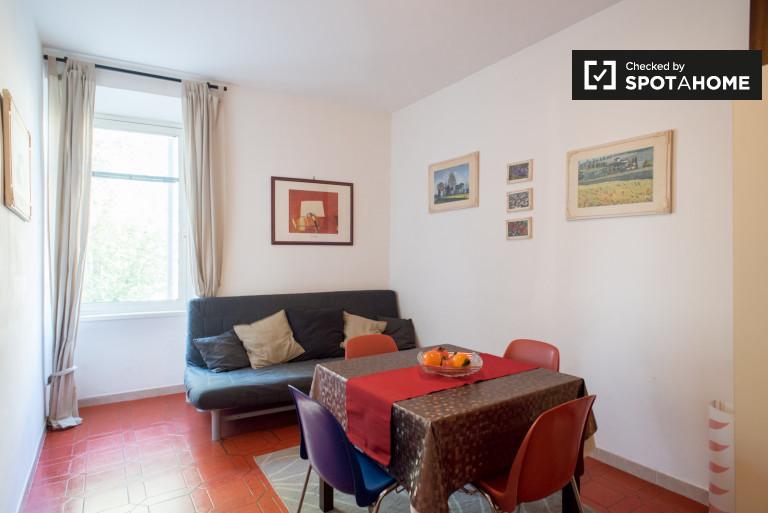 Appartement de 2 chambres à louer à Garbatella, Rome