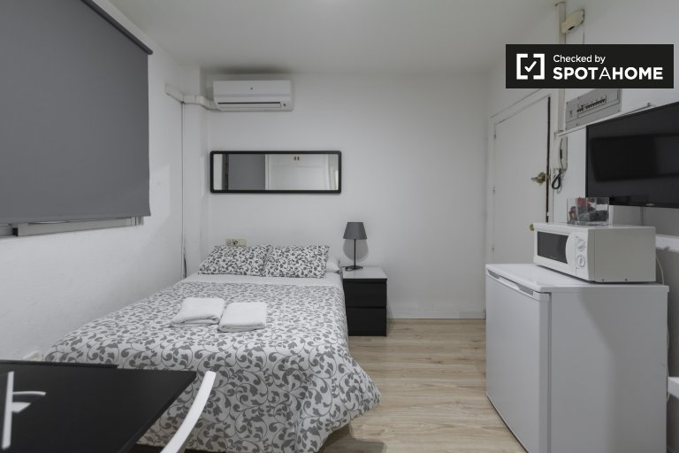 Studio apartment for rent in Ríos Rosas, Madrid