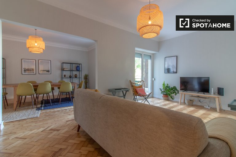 Bright 3-bedroom apartment for rent in Alvalade, Lisbon
