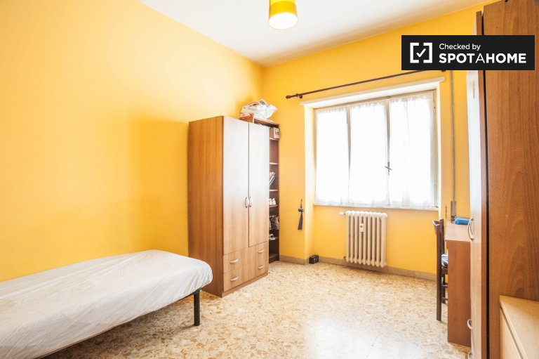 Fully furnished 3-bedroom apartment for rent in Prenestino Serenissima