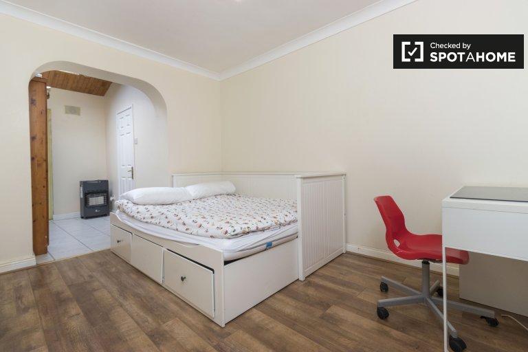 Accogliente camera in affitto a Lucan, Dublino