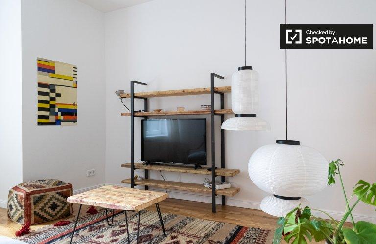 Friedrichshain'de kiralık 2 yatak odalı daire