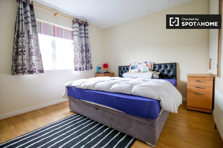 Quarto luminoso em apartamento de 2 quartos em Clonsilla, Dublin
