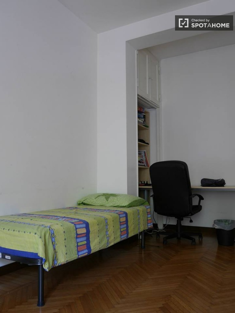 Shared room in apartment in Città Studi, Milan