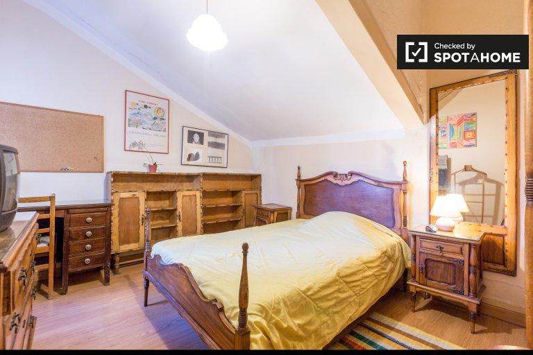 Charmantes Zimmer zur Miete in Avenidas Novas, Lissabon