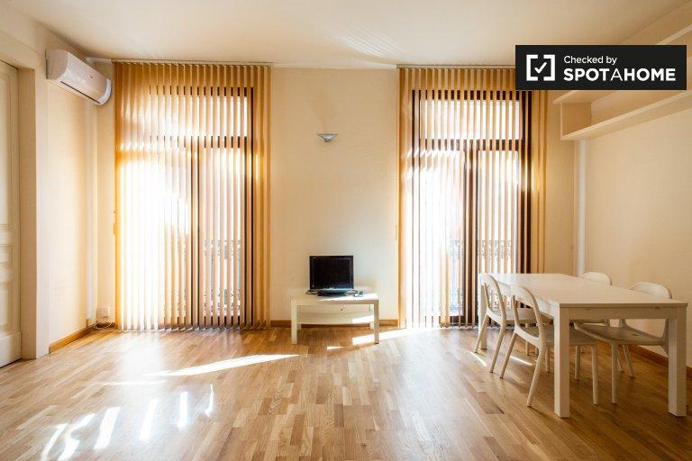 Sunny 1-bedroom apartment for rent in Barri Gòtic, Barcelona