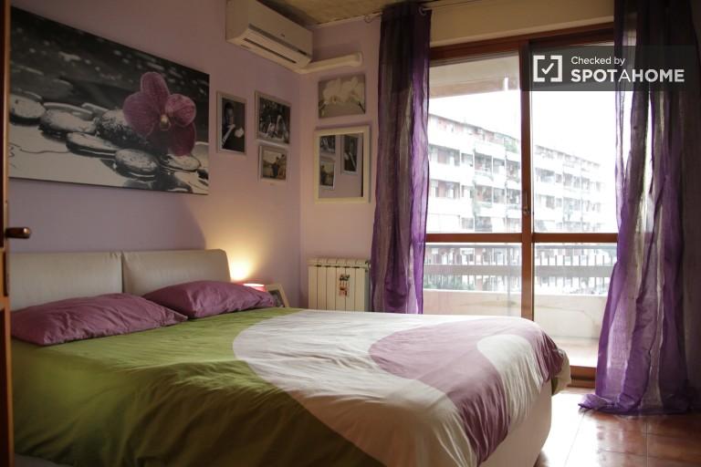 Bedroom 1, couple-friendly
