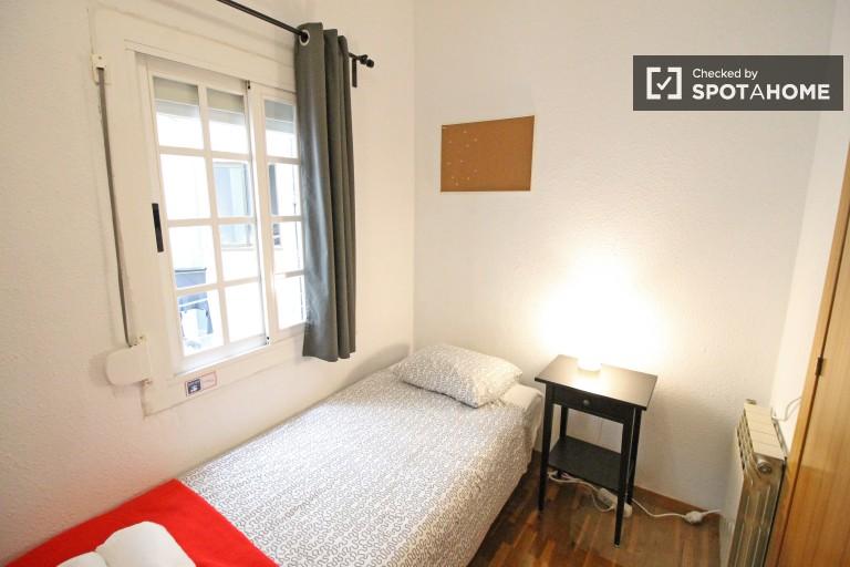Barselona, Eixample'deki 4 odalı daire dekorlu oda