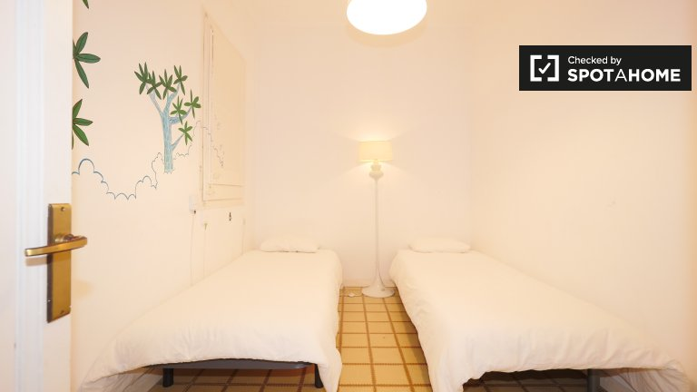 Cozy room for rent in Gràcia, Barcelona