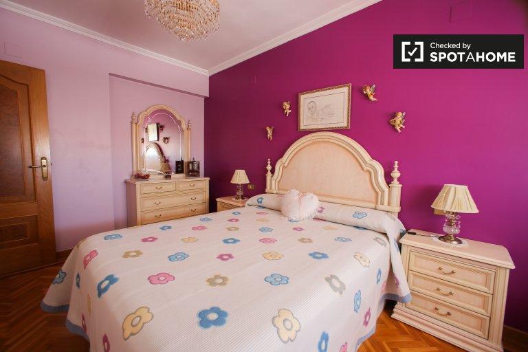 Chambre à louer dans un appartement de 2 chambres à coucher, L'Olivereta, Valence