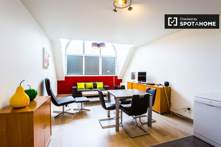 Bright 2-bedroom apartment for rent in Woluwe-Saint-Pierre