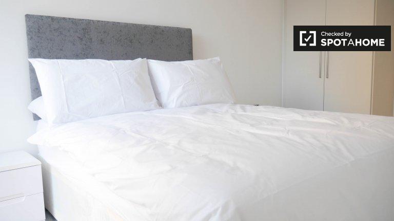 Camera doppia in affitto, appartamento con 2 camere da letto, Kilburn, Londra