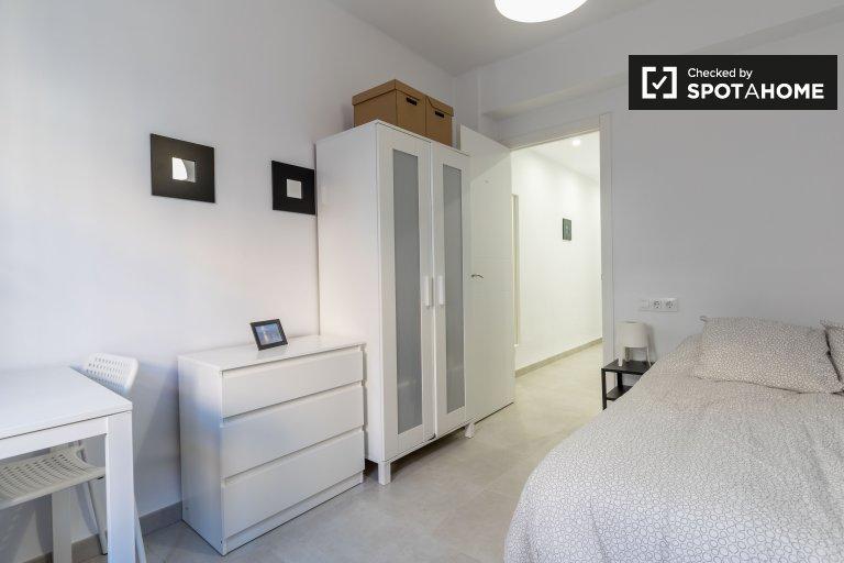 Zimmer zu vermieten in 4-Zimmer-Wohnung in El Cabanyal