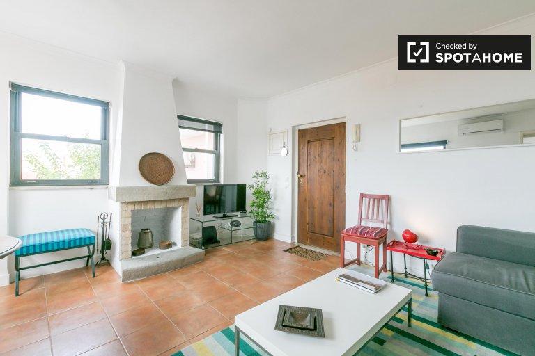 Appartamento con 1 camera da letto in affitto a Chiado, Lisbona