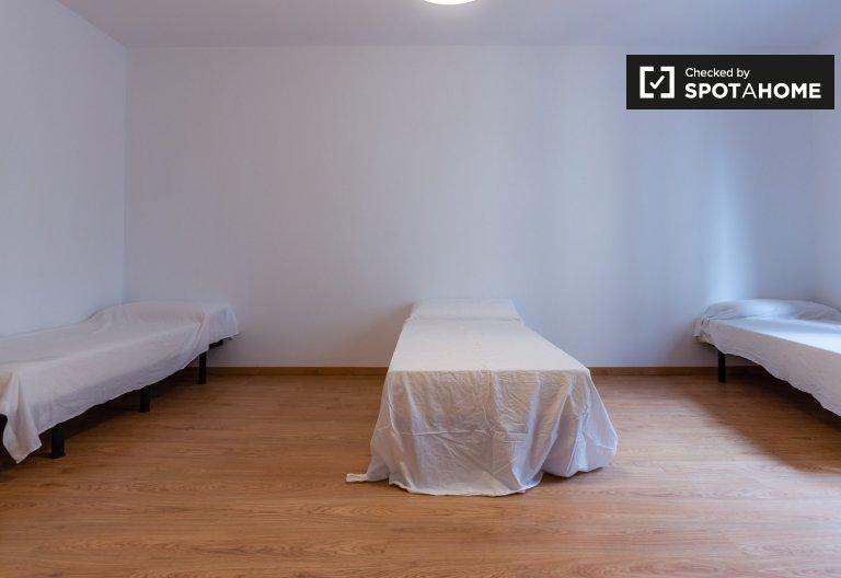 Spacious room in 7-bedroom apartment in El Raval, Barcelona
