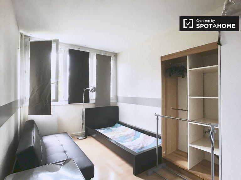 Chambre dans un appartement de 3 chambres à Villeneuve-Saint-Georges