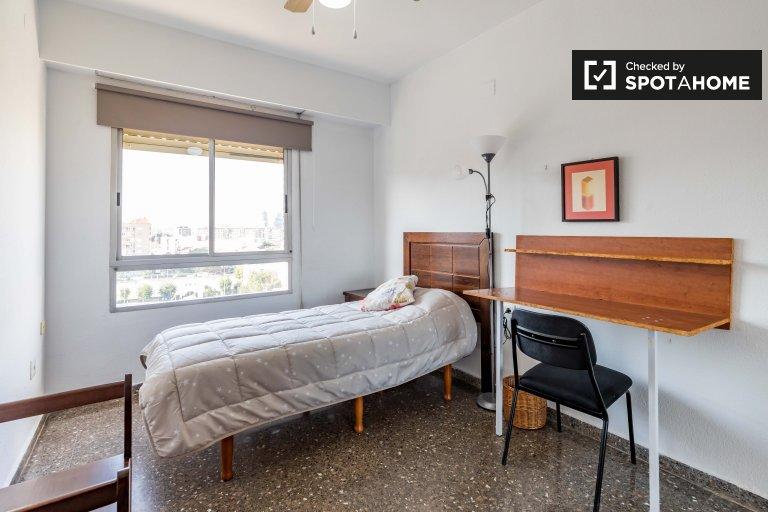 Comfy room for rent in Campanar, Valencia