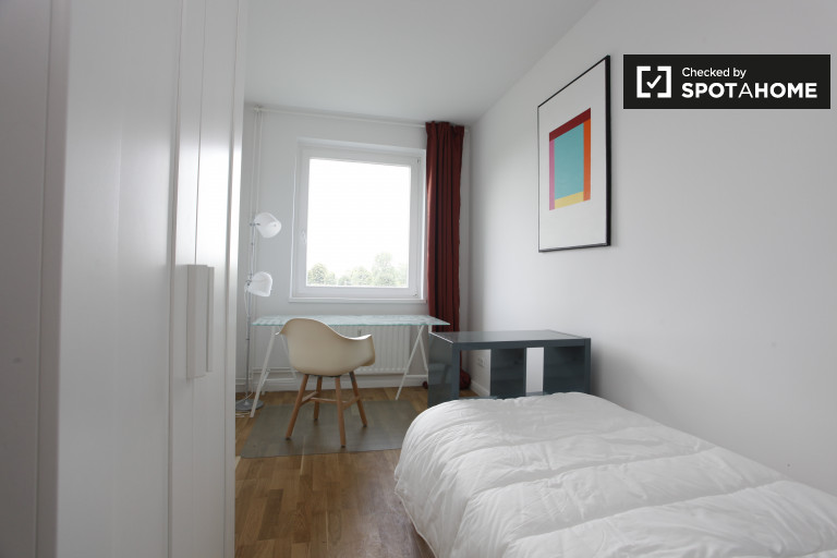 Smart room in apartment in Treptow-Köpenick, Berlin