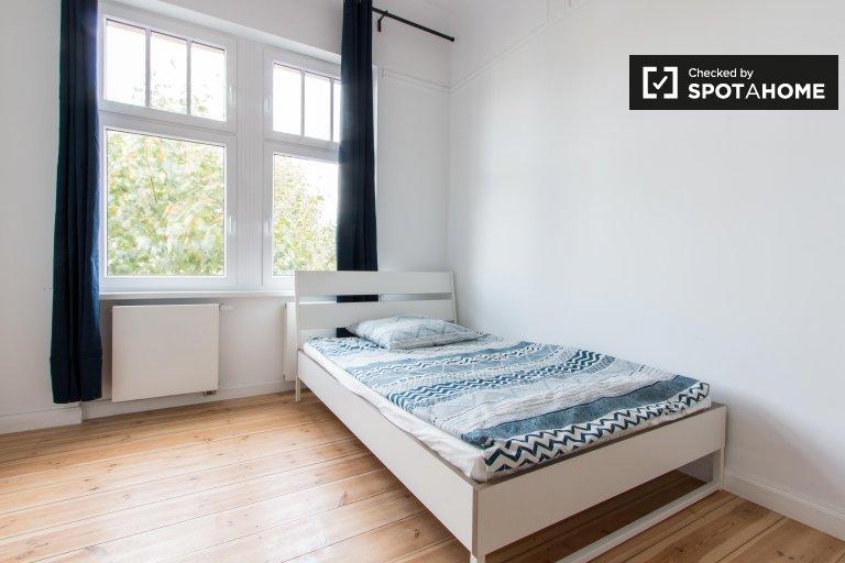 Pokój do wynajęcia w apartamencie z 5 sypialniami w Moabit, Berlin