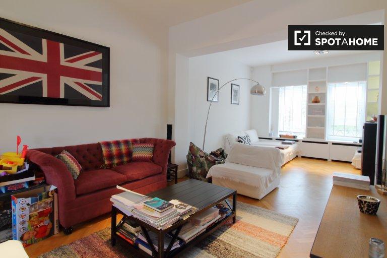 Kraainem, Brüksel'de kiralık modern 3 yatak odalı daire