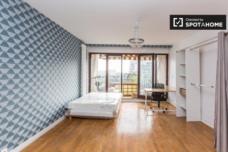 Spaziosa camera in appartamento con 4 camere da letto a Créteil, Parigi