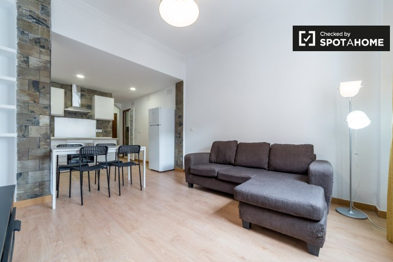 Lovely 3-bedroom apartment for rent in L'Olivereta, Valencia
