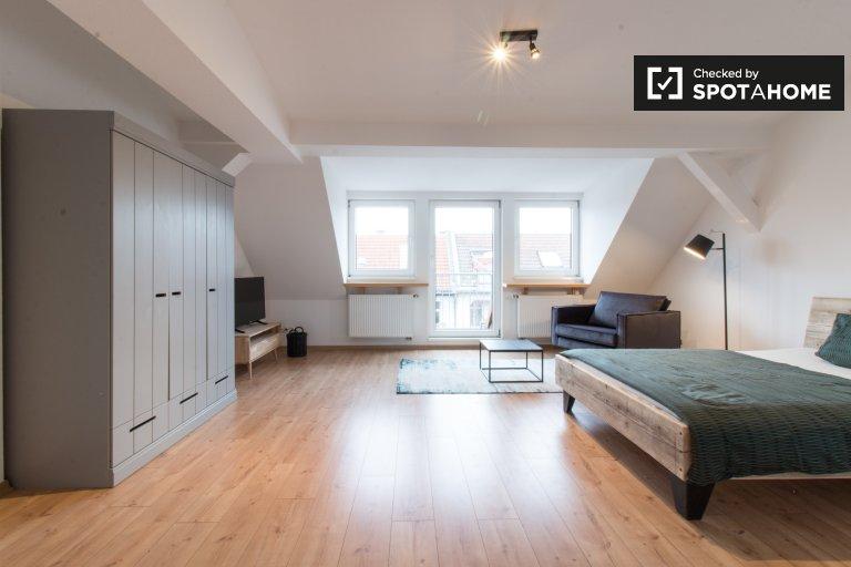 Elegancki apartament typu studio do wynajęcia w Neukölln w Berlinie