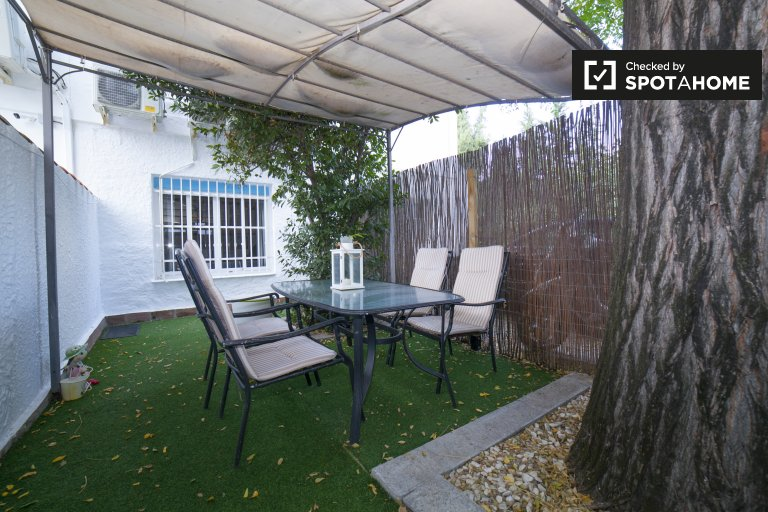 1-bedroom house with patio and jacuzzi shower for rent in Santa Clara