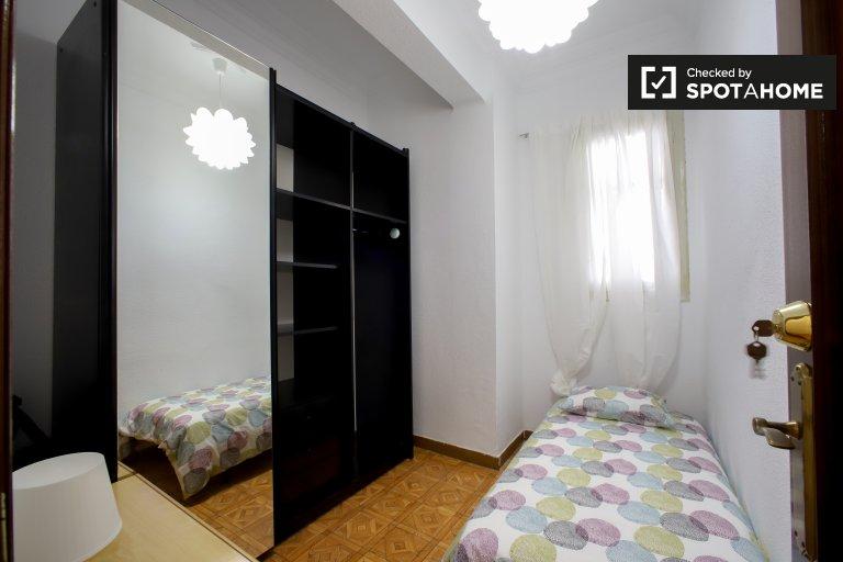 Quarto acolhedor para alugar em Eixample, Valência