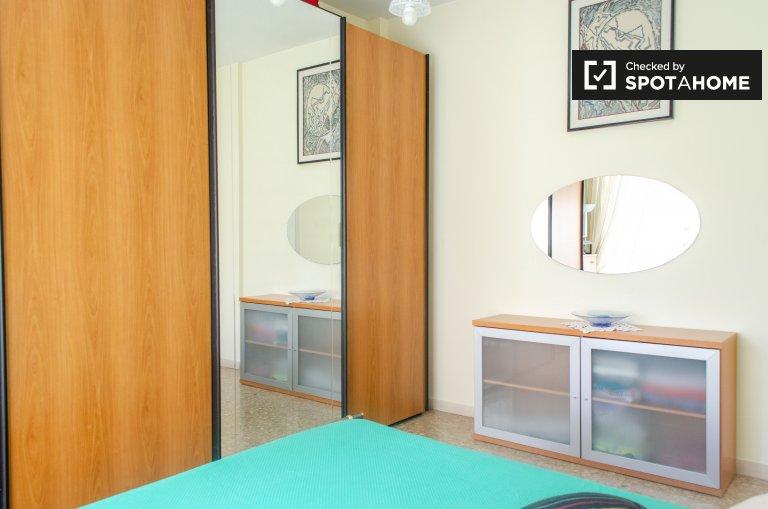 Room for rent in 2-bedroom apartment, Quartiere Primavalle