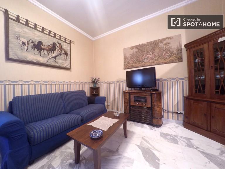 Geräumige Zimmer zur Miete in 2-Zimmer-Wohnung in Prati