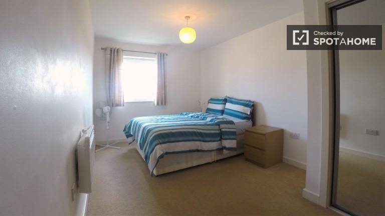 Przestronne mieszkanie 2 pokojowe w pobliżu dworca w Leytonstone w Londynie