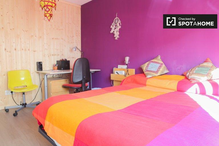 Chambre lumineuse dans un appartement de 2 chambres à La Saïdia, Valence