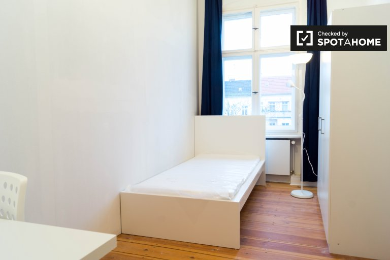Bright room for rent in Friedrichshain, Berlin