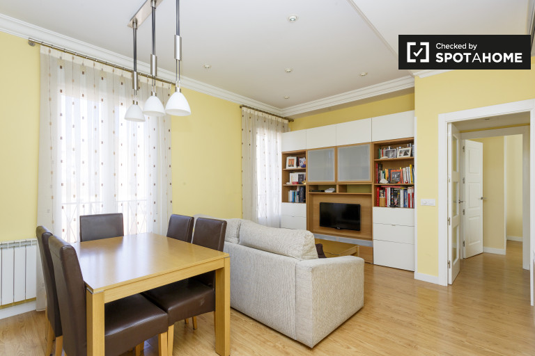 Modern 2-bedroom apartment for rent in Chamberi, Madrid