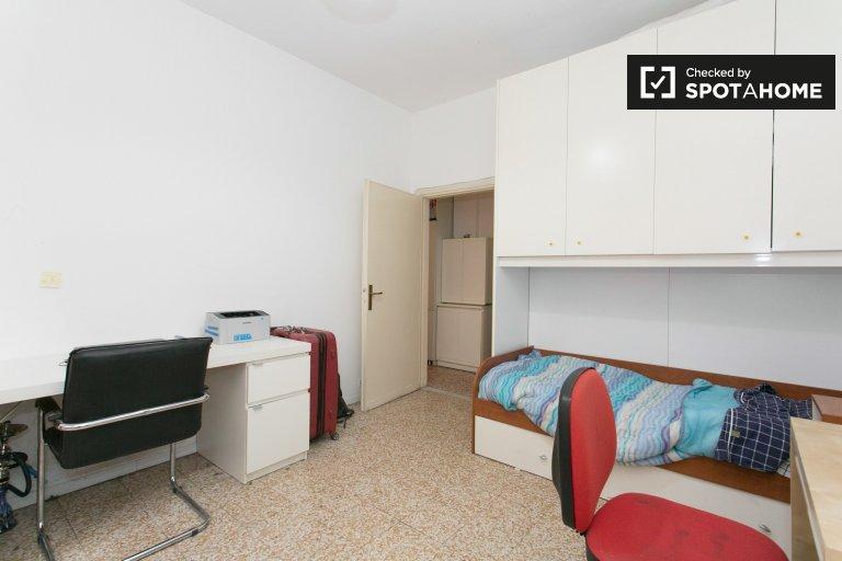 Chambre confortable dans l'appartement de 2 chambres à Zona Mecenate Milan